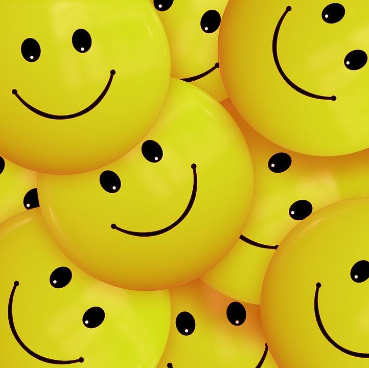 Varias caritas felices